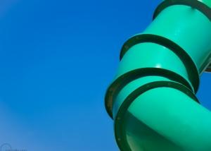 Photographe Architecture: Minimalisme Tuyau vert, ciel bleu